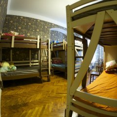 Hostel Shtraus House Кровать в общем номере с двухъярусной кроватью фото 3