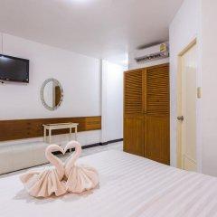 Отель Karon Sunshine Guesthouse & Bar 3* Улучшенный номер с различными типами кроватей фото 11