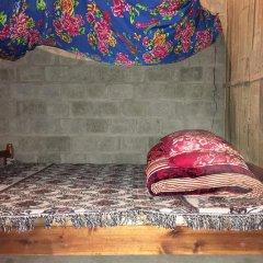 Отель Hoa Chanh Homestay Кровать в общем номере
