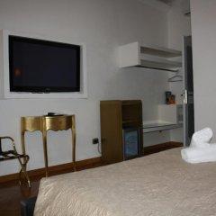 Отель Home In Rome Trevi 2* Номер Делюкс с различными типами кроватей