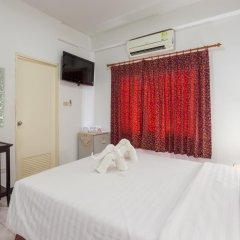 Отель Karon Sunshine Guesthouse & Bar 3* Стандартный номер с различными типами кроватей фото 13