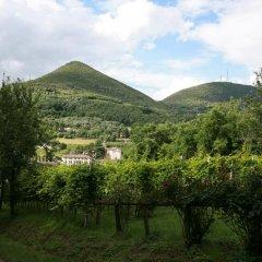 Отель B&B Contarine Италия, Региональный парк Colli Euganei - отзывы, цены и фото номеров - забронировать отель B&B Contarine онлайн приотельная территория фото 2