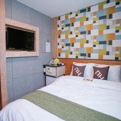 Отель D.H Sinchon Guesthouse 2* Стандартный номер с различными типами кроватей