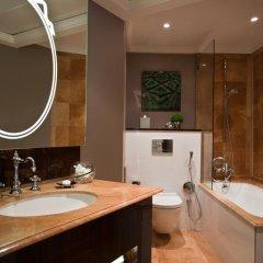 Renaissance Paris Hotel Le Parc Trocadero 5* Улучшенный номер с различными типами кроватей фото 4