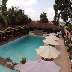Sir Max Hotel бассейн