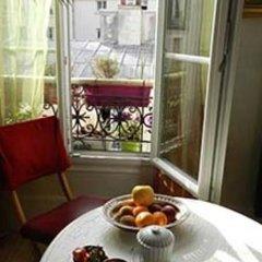 Отель Chambre D'hôtes Un Air De Montmartre Париж балкон
