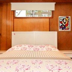 Отель Dutch Canal Boat Нидерланды, Амстердам - отзывы, цены и фото номеров - забронировать отель Dutch Canal Boat онлайн комната для гостей фото 5