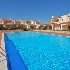 Отель Afonso IV Townhouse Praia del Rey бассейн