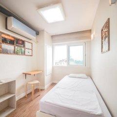 Хостел Itaewon Inn Стандартный номер с различными типами кроватей (общая ванная комната) фото 3