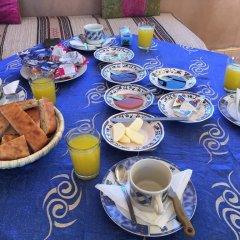 Отель Riad Aicha Марокко, Мерзуга - отзывы, цены и фото номеров - забронировать отель Riad Aicha онлайн питание