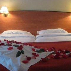 Отель Hôtel Eden Montmartre 3* Улучшенный номер с двуспальной кроватью