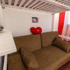 Light Dream Hostel Стандартный семейный номер с двуспальной кроватью фото 2