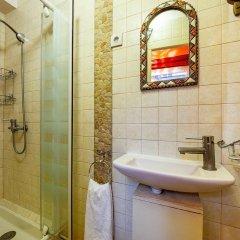 Отель Victoires Near Louvre Apartment Франция, Париж - отзывы, цены и фото номеров - забронировать отель Victoires Near Louvre Apartment онлайн ванная
