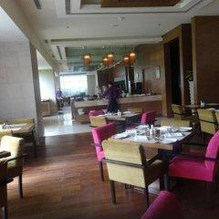 Отель Royal Orchid Central Jaipur питание