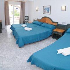 Отель Hostal Rosalia Стандартный номер с различными типами кроватей фото 7
