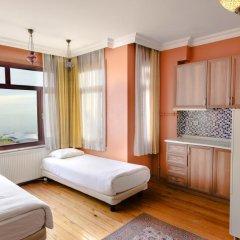 Хостел Bucoleon Кровать в общем номере