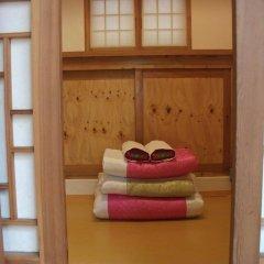 Отель Hyosunjae Hanok Guesthouse 2* Стандартный номер с различными типами кроватей (общая ванная комната) фото 3