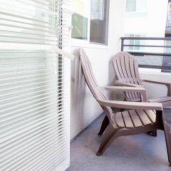 Отель Luxury Two Bedroom Near The Grove США, Лос-Анджелес - отзывы, цены и фото номеров - забронировать отель Luxury Two Bedroom Near The Grove онлайн балкон