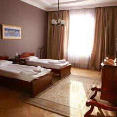 Гостиница Британский Клуб во Львове 4* Улучшенные апартаменты с разными типами кроватей