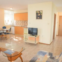 Апартаменты Elite Apartments Солнечный берег комната для гостей фото 2