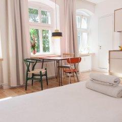 Апартаменты Sunny Boutique Studio Apartment комната для гостей фото 2