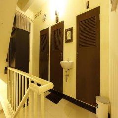 Naturbliss Bangkok Transit Hotel 3* Кровать в мужском общем номере фото 11