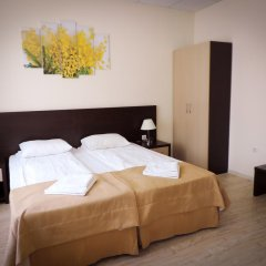 Гостиница Inn Ordzhonikidze 8а Стандартный номер с двуспальной кроватью фото 5