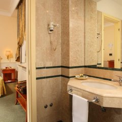 Hotel Delle Vittorie 3* Стандартный номер с двуспальной кроватью фото 8