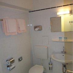 Hotel Münchner Hof 3* Стандартный номер с различными типами кроватей фото 5