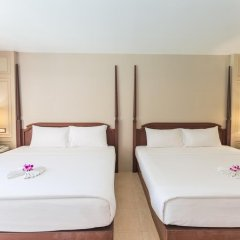 Отель Phuket Orchid Resort and Spa 4* Стандартный семейный номер с разными типами кроватей фото 9