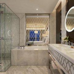 Отель Waldorf Astoria Dubai Palm Jumeirah 5* Улучшенный номер с различными типами кроватей фото 8