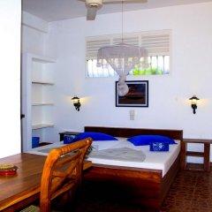 International Beach Hotel & Restaurant комната для гостей