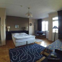 Отель Berk Guesthouse - 'Grandma's House' 3* Стандартный семейный номер с двуспальной кроватью фото 18
