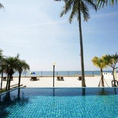 Отель The Sea House Beach Resort бассейн