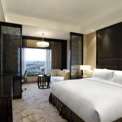 Отель Crowne Plaza New Delhi Mayur Vihar Noida 5* Стандартный номер с различными типами кроватей фото 2