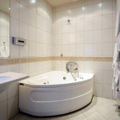 Отель Hof Hotel Sfinksas Литва, Каунас - отзывы, цены и фото номеров - забронировать отель Hof Hotel Sfinksas онлайн ванная