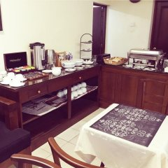 Отель Alfred Court Accommodation Шри-Ланка, Коломбо - отзывы, цены и фото номеров - забронировать отель Alfred Court Accommodation онлайн питание фото 3