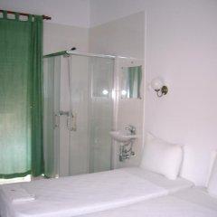 Отель Pensao Residencial Camoes 2* Стандартный номер с двуспальной кроватью фото 8