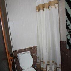 Отель Hayk House 10 in Tzahkadzor Армения, Цахкадзор - отзывы, цены и фото номеров - забронировать отель Hayk House 10 in Tzahkadzor онлайн ванная фото 2