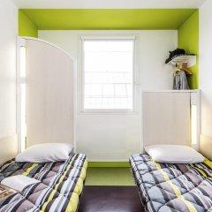 Отель hotelF1 Paris St Ouen Marché aux Puces Стандартный номер с 2 отдельными кроватями (общая ванная комната)