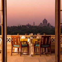 Отель The Oberoi Amarvilas, Agra 5* Люкс с различными типами кроватей фото 2