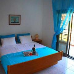 Отель Salonikiou Beach Deluxe Apartments Греция, Аристотелес - отзывы, цены и фото номеров - забронировать отель Salonikiou Beach Deluxe Apartments онлайн комната для гостей фото 2