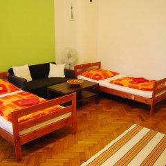 Boomerang Hostel and Apartments Стандартный номер с различными типами кроватей (общая ванная комната) фото 5