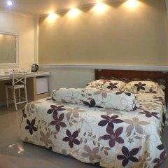 Отель Phuket Airport Suites & Lounge Bar - Club 96 Номер Делюкс с двуспальной кроватью фото 6