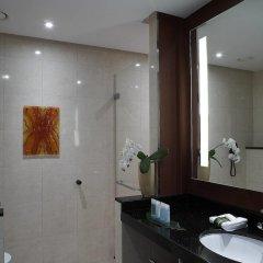 Hilton Warsaw Hotel & Convention Centre 4* Стандартный номер с разными типами кроватей