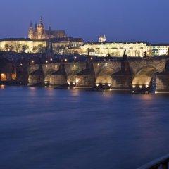 Отель Barceló Old Town Praha Чехия, Прага - 6 отзывов об отеле, цены и фото номеров - забронировать отель Barceló Old Town Praha онлайн приотельная территория фото 2
