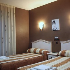 Отель Hostal Regio Номер категории Эконом с различными типами кроватей фото 12