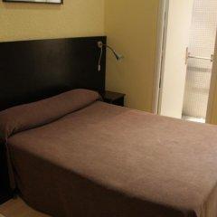Отель Hostal Baires Стандартный номер разные типы кроватей фото 3