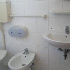 Отель Half Moon ванная