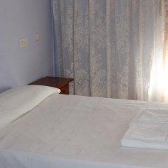 Отель Hostal Restaurante Carabanchel Стандартный номер с различными типами кроватей